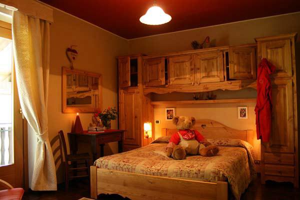 Hotel tivet pila le camere - Camere da letto di montagna ...