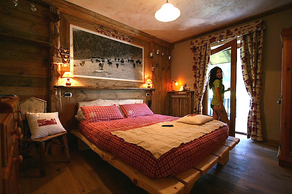 Hotel tivet pila le camere for Camere di montagna